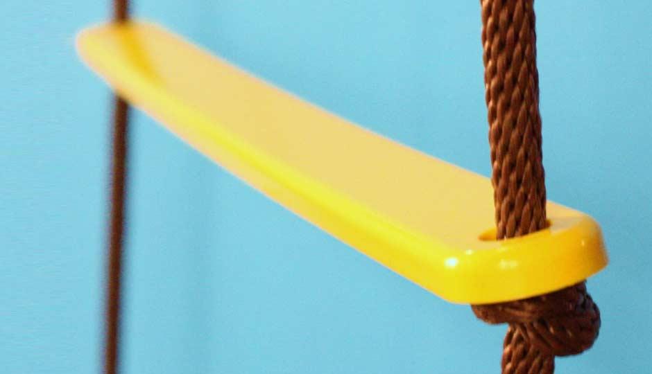 yellow chicken swing detail
