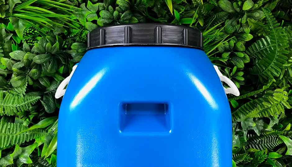 Blue storage drum with lid